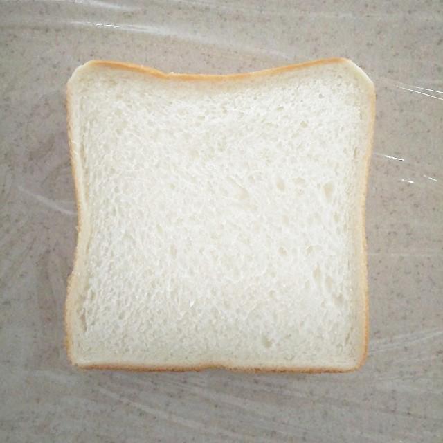 パンをのせる