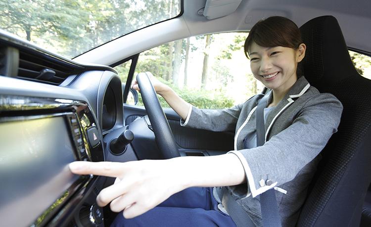女性運転手によるタクシードライバー