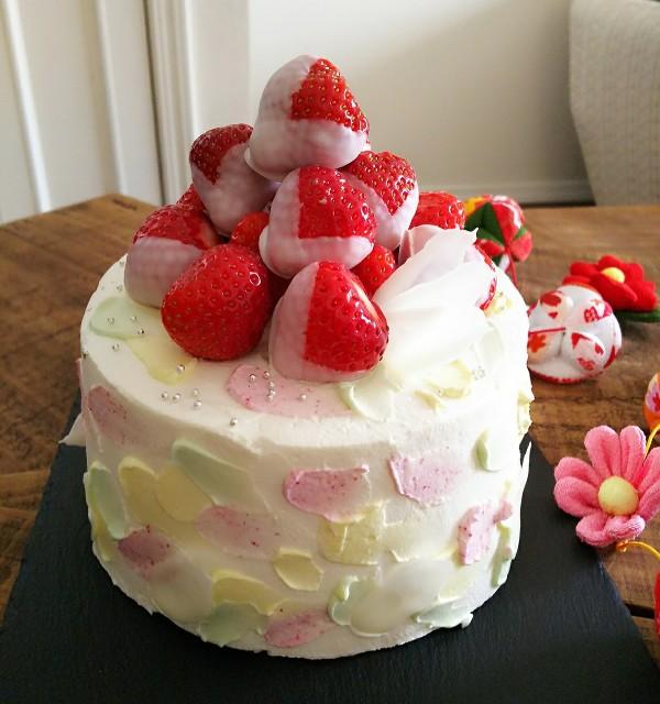 ひな祭りのホールケーキ